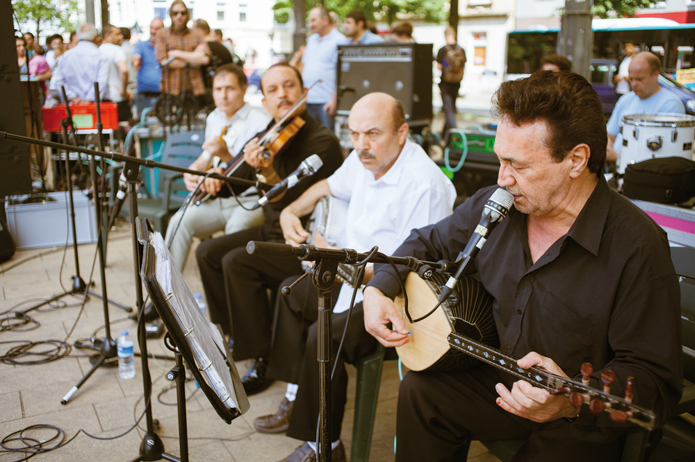 Die Erol Arslan Grup auf dem Berta Kröger Platz, Foto: Jan Linnemann