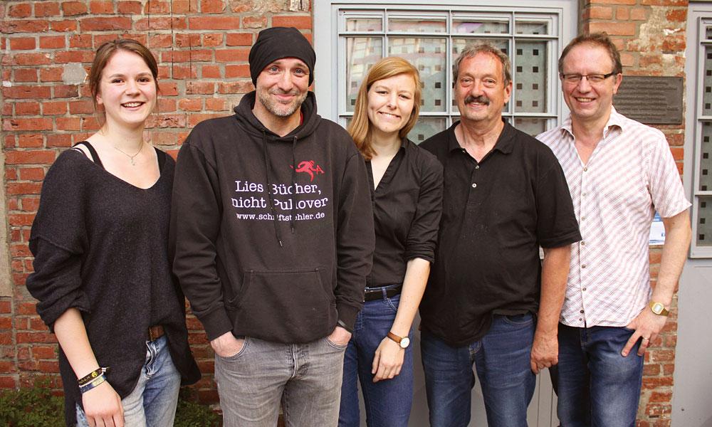 Das VORSICHT-Team: Paula Gürtler, Armin Sengbusch, Anna Braam, Dieter Seelis und Hartmut Pospiech, Foto: Goldbekhaus