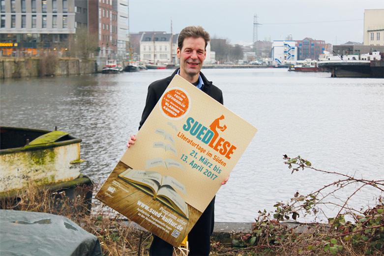 Heiko Langanke, Sprecher von SuedKultur, im Harburger Hafen, Foto: Sabine Schnell