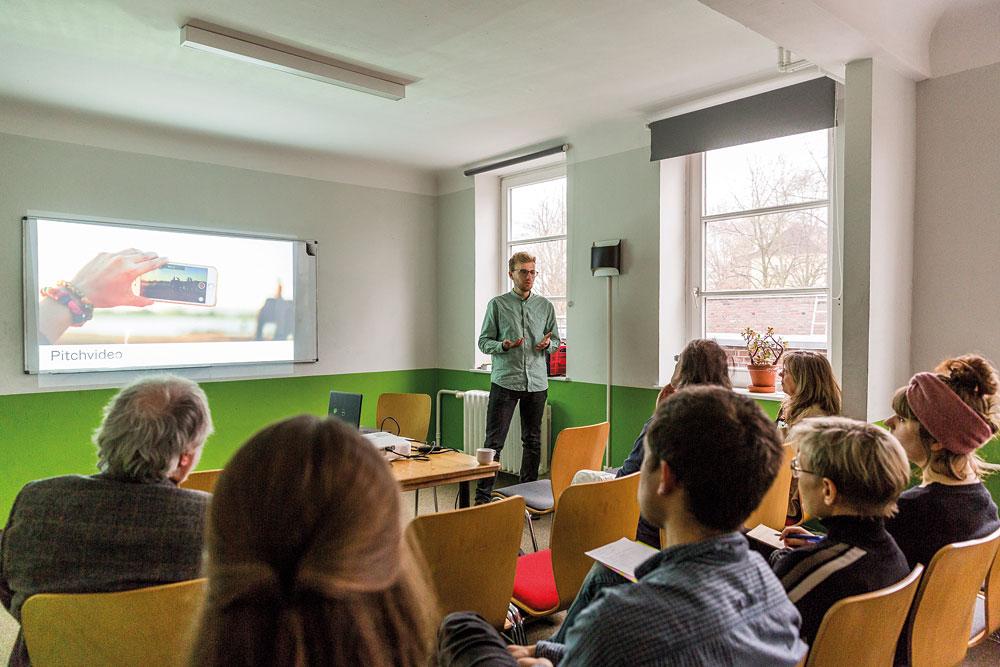 Tipps und Tricks von Theo Haustein von der Hamburg Kreativ Gesellschaft, Foto: Miguel Ferraz