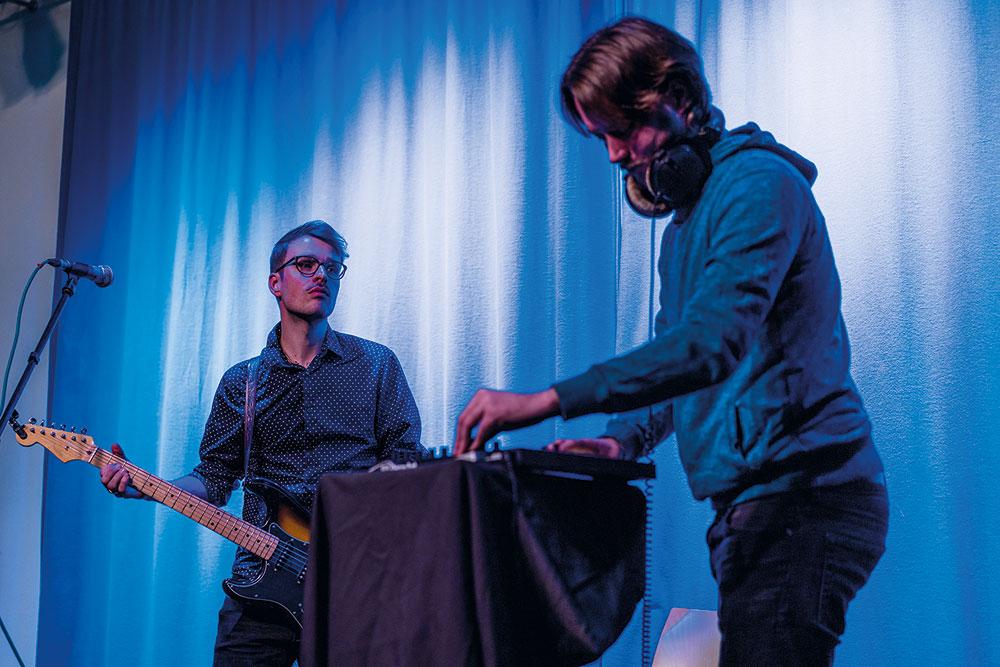 musikalische Performance von Fool feat. Klein Melchow, Foto: Miguel Ferraz