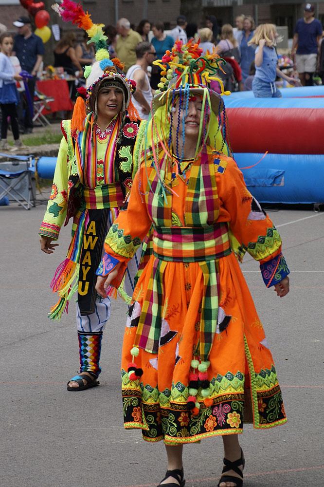 PARK AM START 2018: Bolivianische Tanzgruppe AWAYU, Foto: Manfred Klemmer