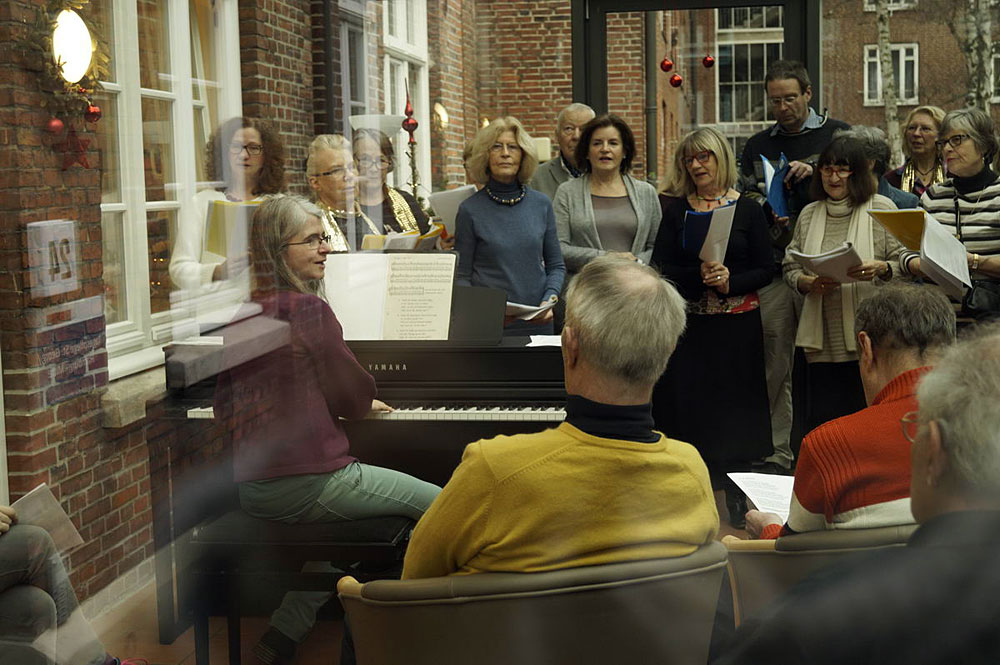 Golden Sixties Chor Weihnachtssingen in der Tagespflege St. Georg, Foto: Lubica Rybansk
