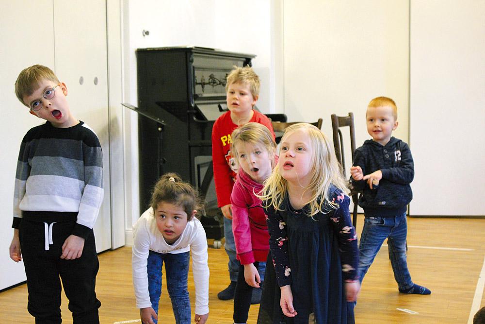 """""""Guckt mal erstaunt."""" – Sprachförderliche Theater-Projektwoche mit Kita-Kindern, Foto: Kiku"""